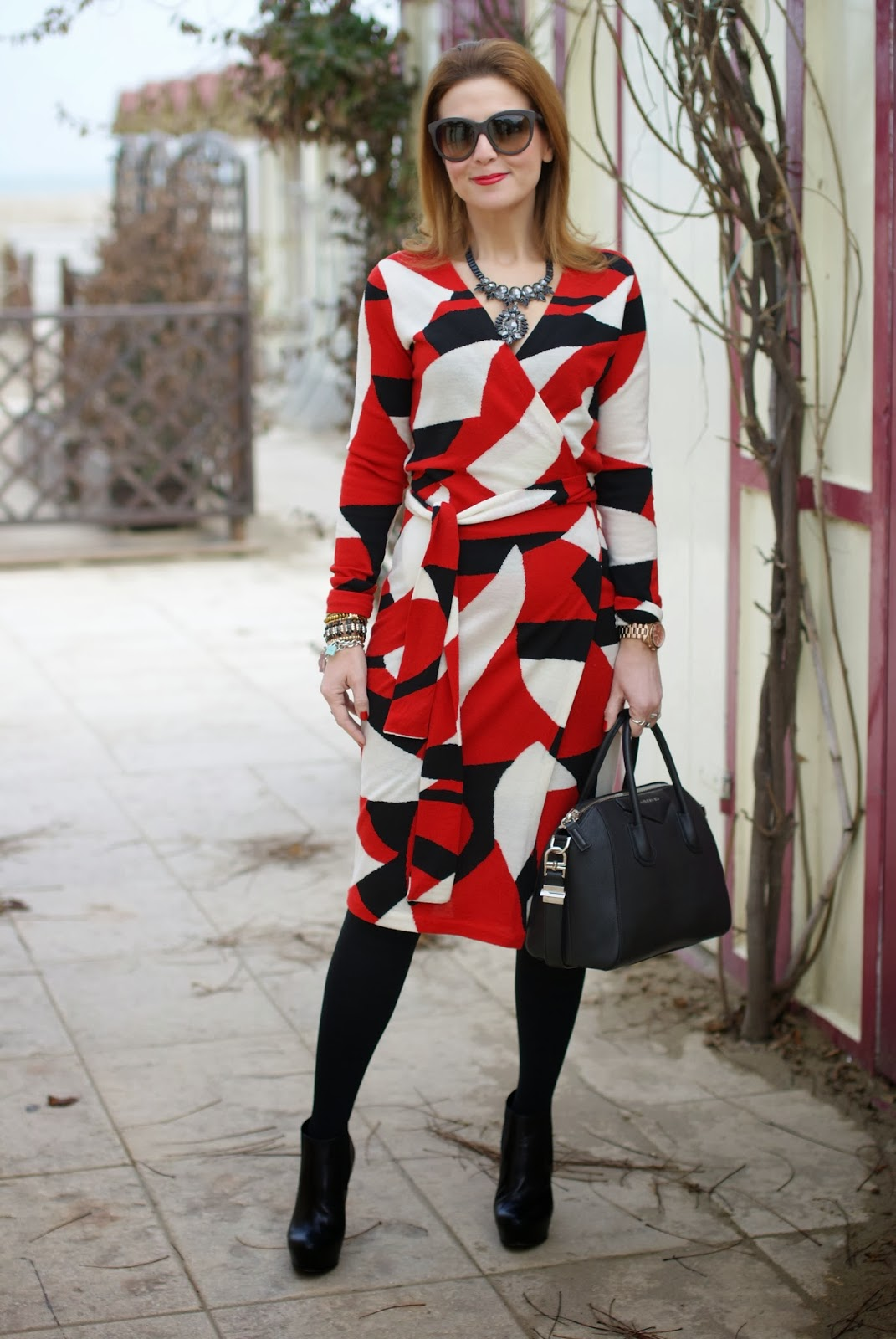 Diane Von Furstenberg wrap dress, abito a vestaglia, wrap dress, Givenchy Antigona bag, Fashion and Cookies, fashion blogger