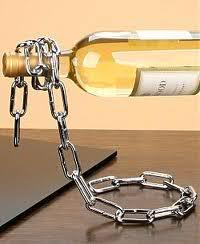 chain whine bottle handler