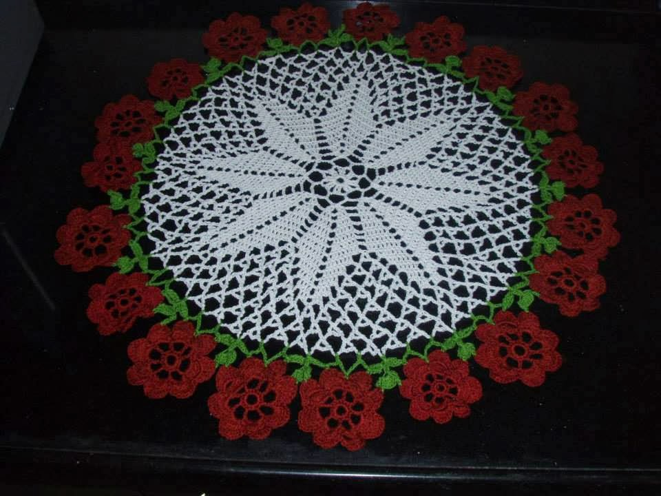 Crochet Flower Doily Pattern : Star doily with flowers all round ~ Free Crochet Patterns