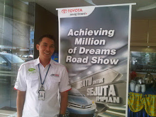 sales dealer toyota palembang