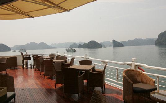Outside Cafe - Au Co Cruise