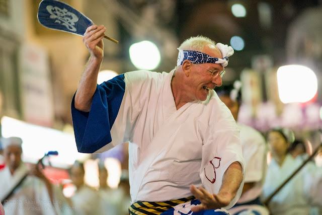 初台阿波おどり、波奴連の男踊り