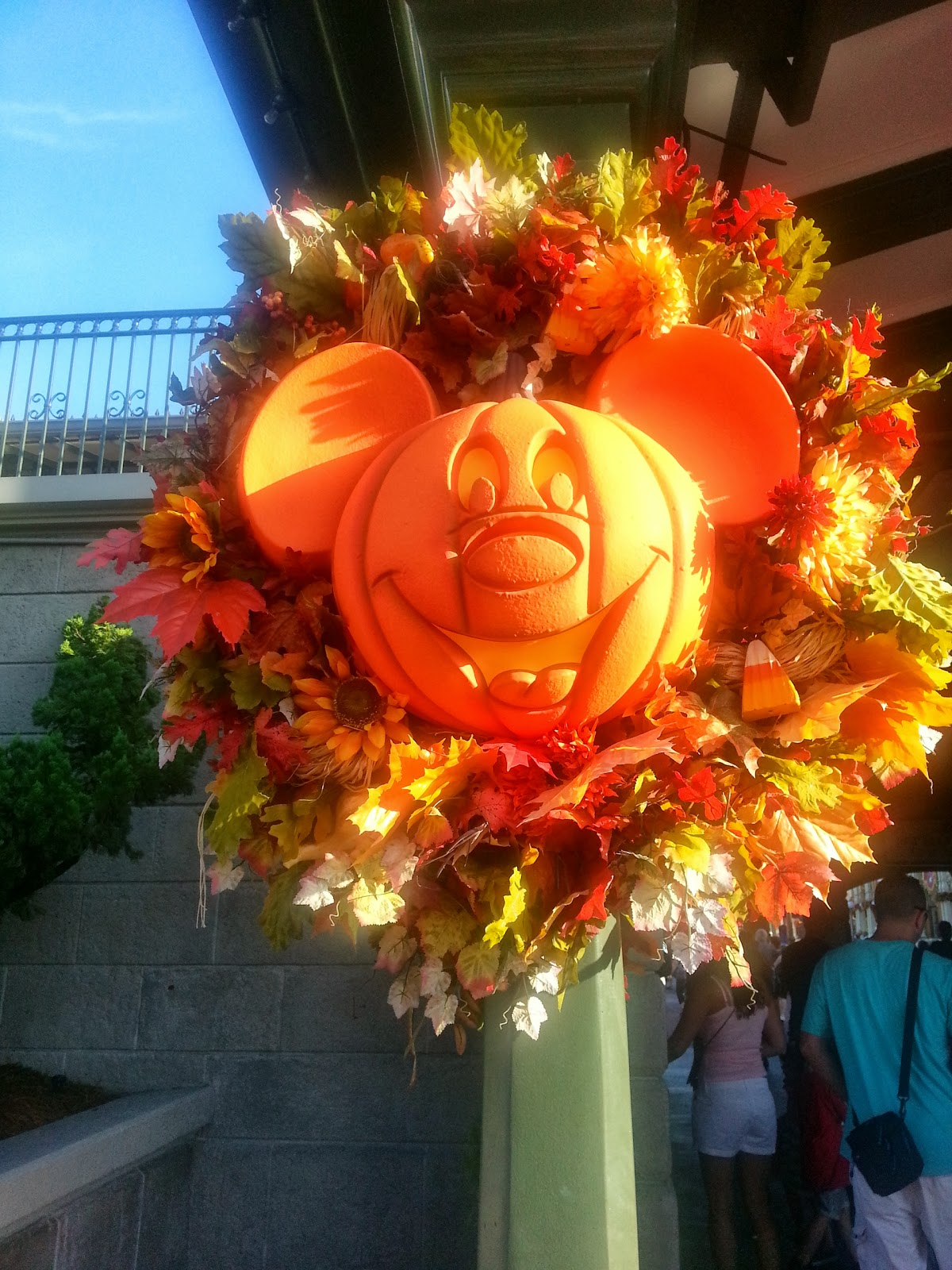 Disney Darling Diva: Mickey's Not So Scary Halloween Party 2013 Review