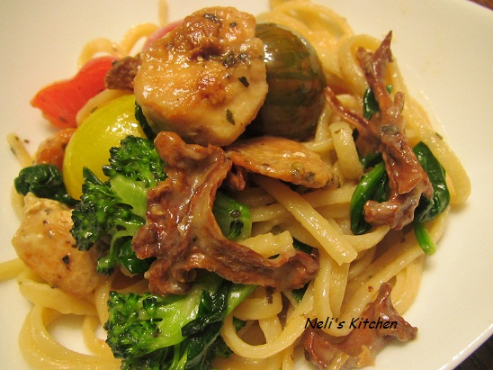 Linguini Chicken and Chanterelle Mushroom in Butter Sauce
