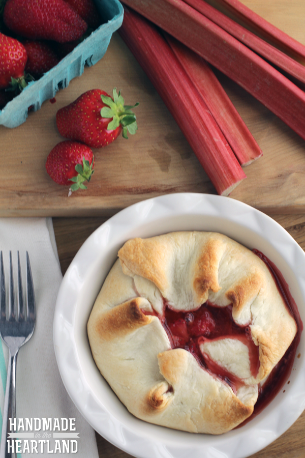 Strawberry Rhubarb Individual Pies