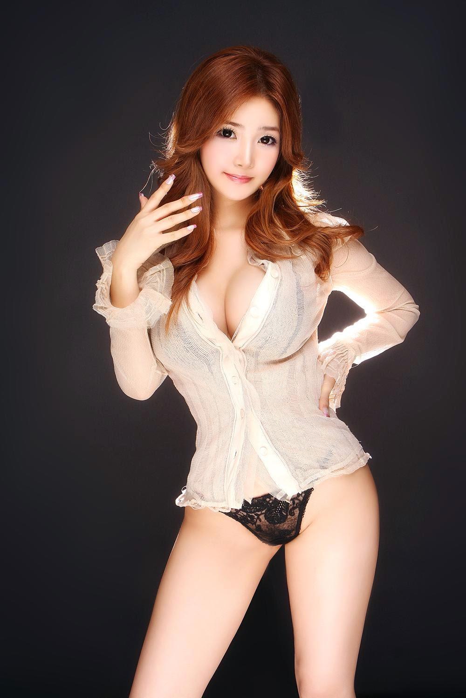hot chinese women showing tits