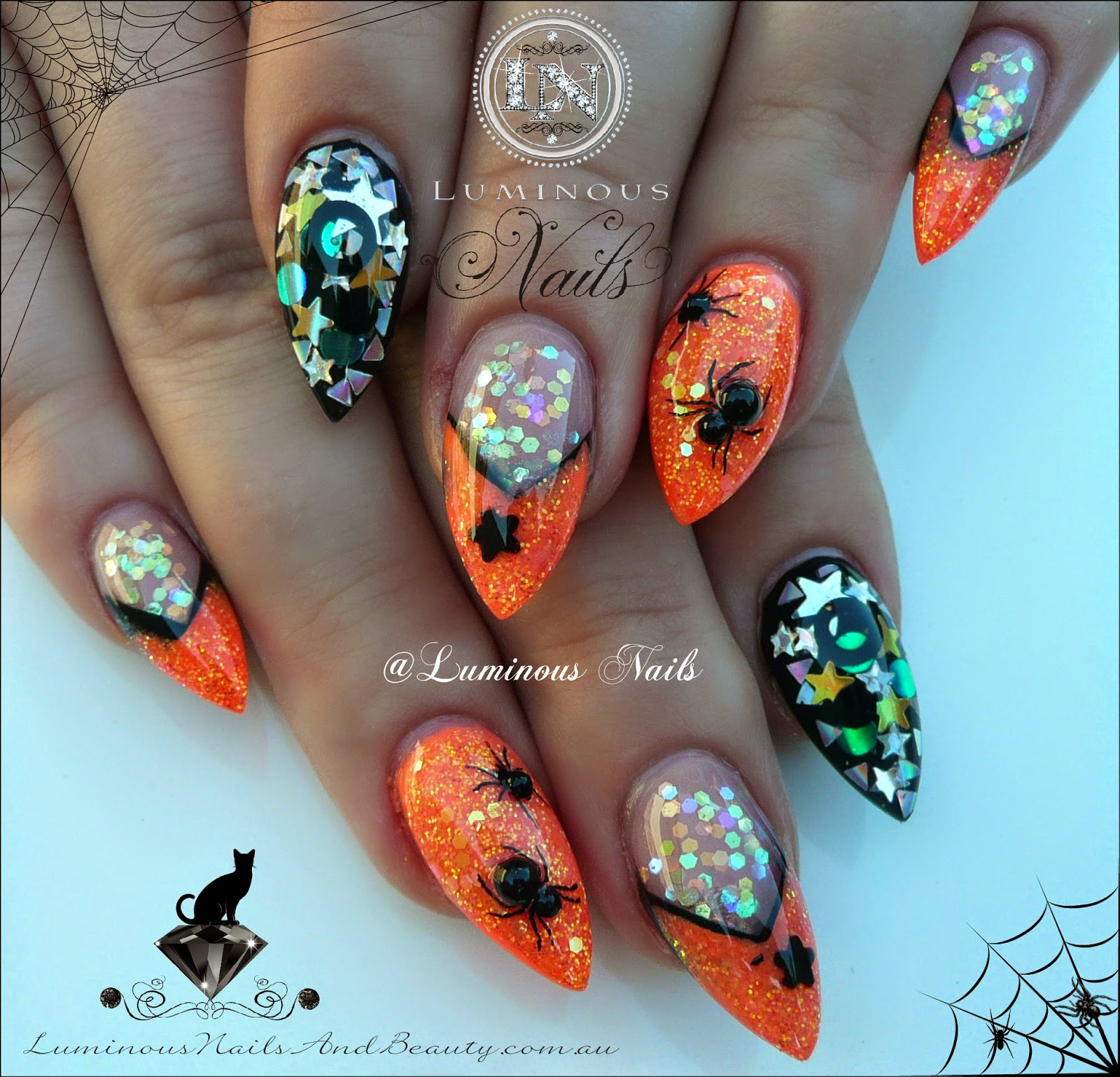 Luminous Nails: Halloween Acrylic Nails with Scary Creepy spiders!