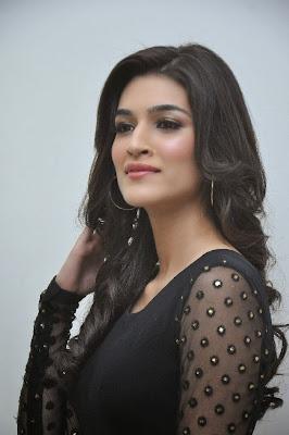 Kriti sanon photo gallery in black dress at 1 nenokkadine movie audio