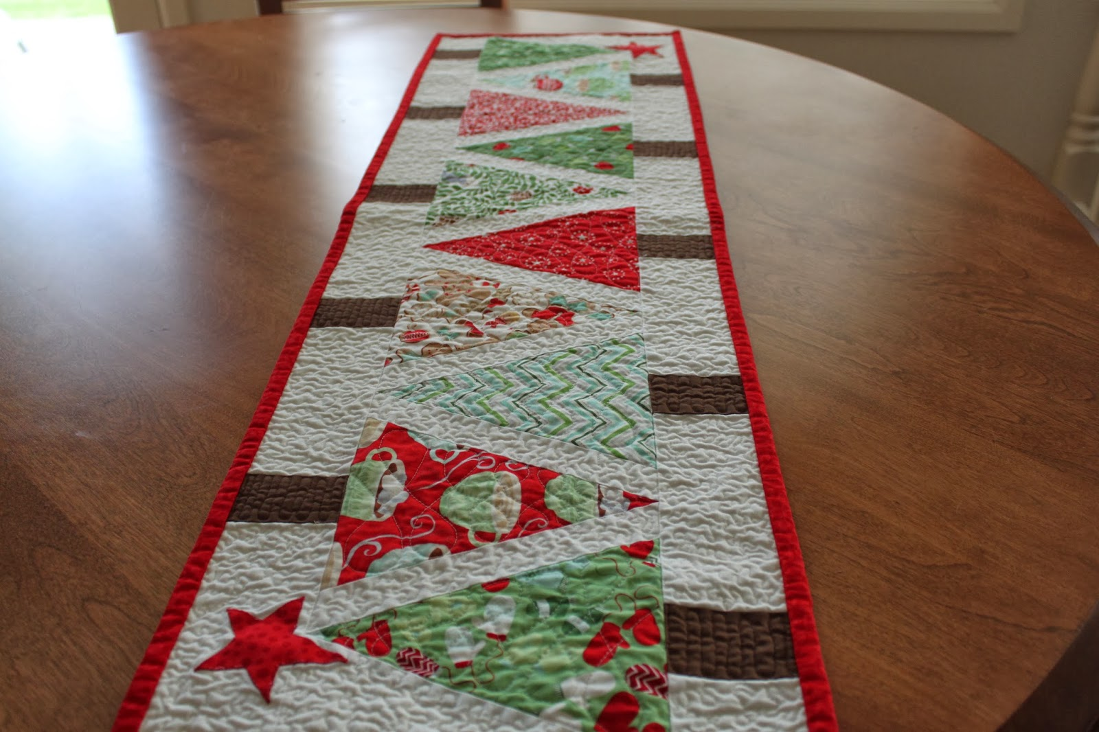 My Best Friend LOVES Christmas, So This Year I Made Her This Sweet Table  Runner. She Loves It, I Used A Pattern From The Book Angles With Ease And  ...