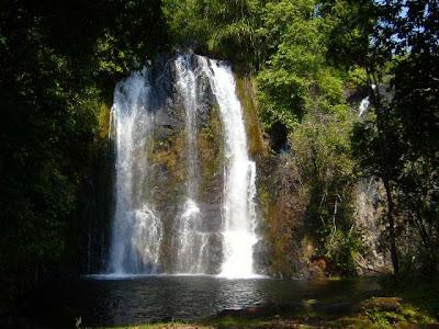 Tanzania-Uluguru-Mountain-Waterfall