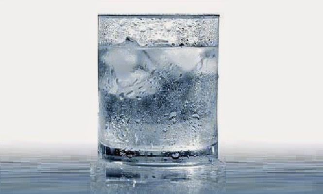 Masalah kesehatan akibat sering minum air es