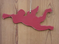 décorations-de-Noël-ange-rouge-bois-découpé
