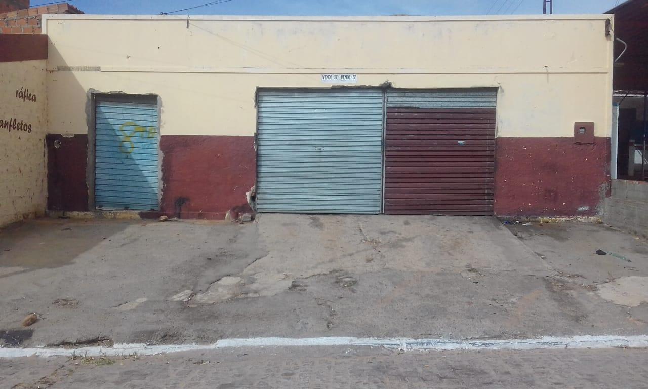 """VENDO ou TROCO EM CASA um """"Ponto Comercial"""" na Avenida Djalma Wanderley, BR  316"""
