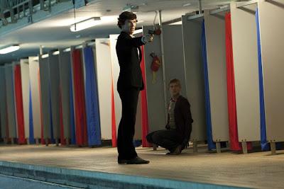 Sherlock, Sherlock Holmes, Dr Watson, Benedict Cumberbatch, Martin Freeman, Steven Moffat, Mark Gatiss, Paul McGuigan, Mycroft Holmes, BBC, War Horse, Star Trek into darkness, série, test, critique, saison 1, trailer, geek me hard, geekmehard
