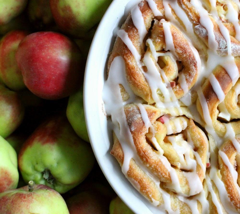 apple cinnamon sweet rolls