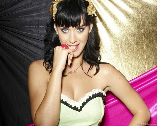 Katy Perry Glam Wallpaper