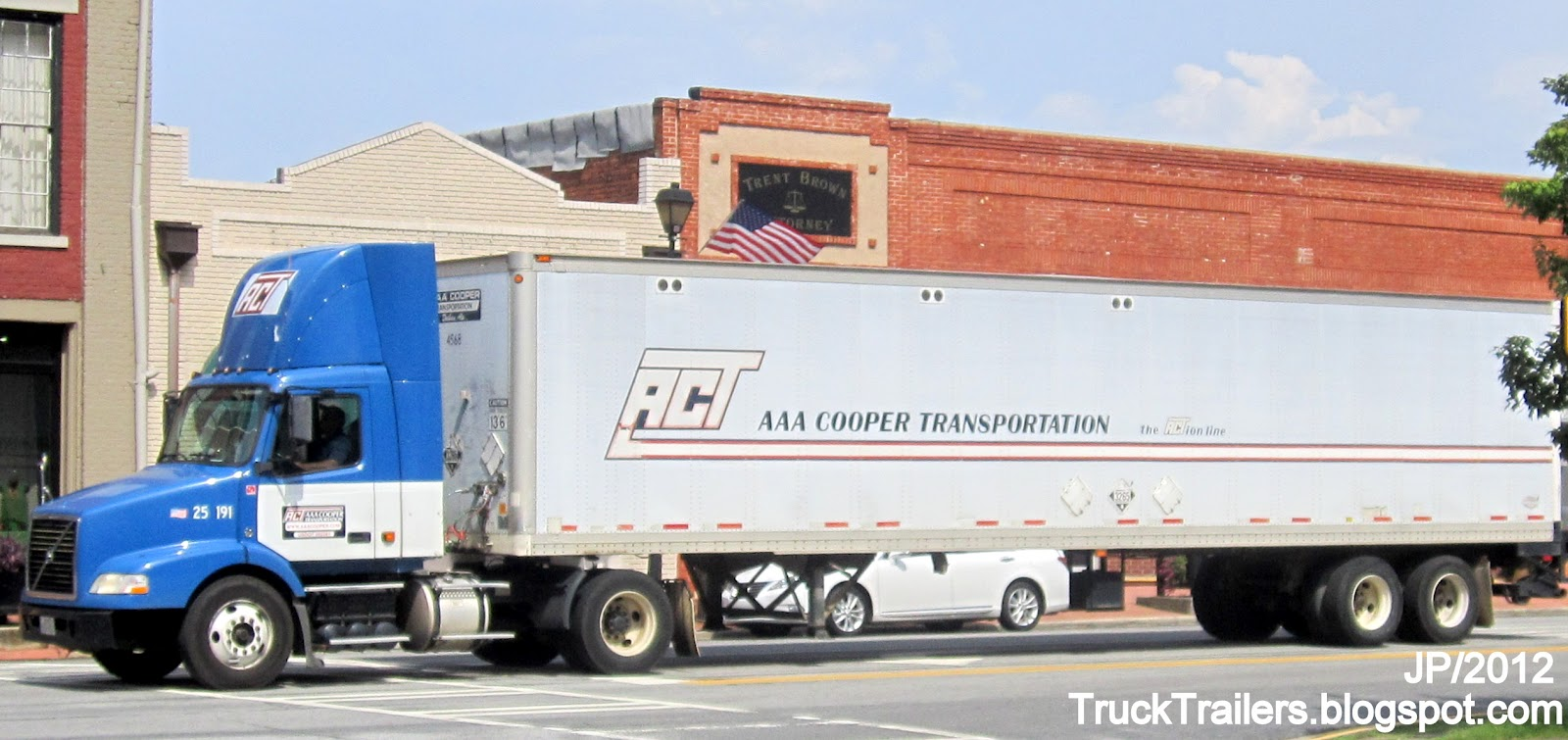 ACT AAA Cooper Trucking Company Dothan Alabama. VOLVO Day Cab Truck