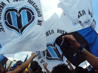 Blanco y Negro: GALLOS DE PELEAS, GALLOS DE
