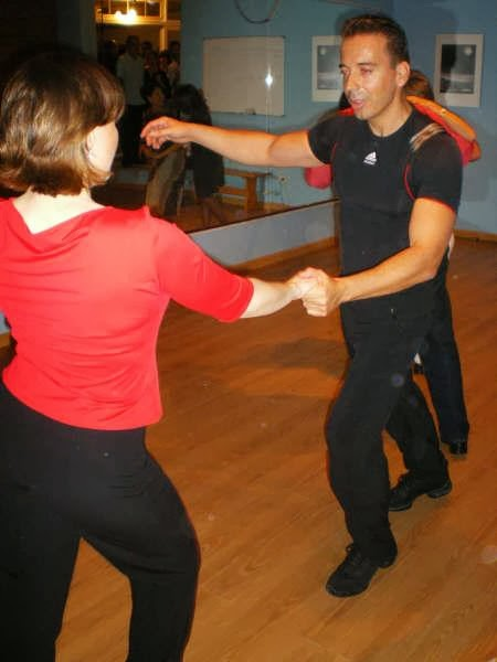 INSTRUCTOR DE BAILE DE SALON