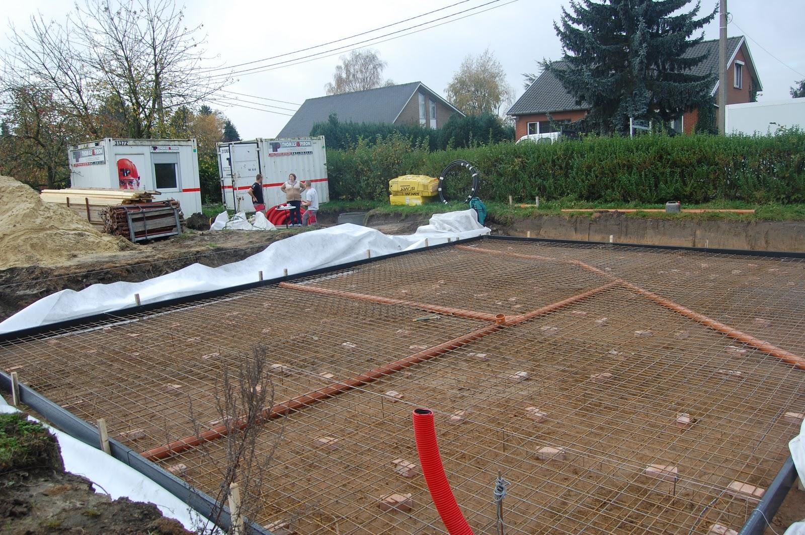 la construction de notre grotte le radier le drain p riph rique. Black Bedroom Furniture Sets. Home Design Ideas
