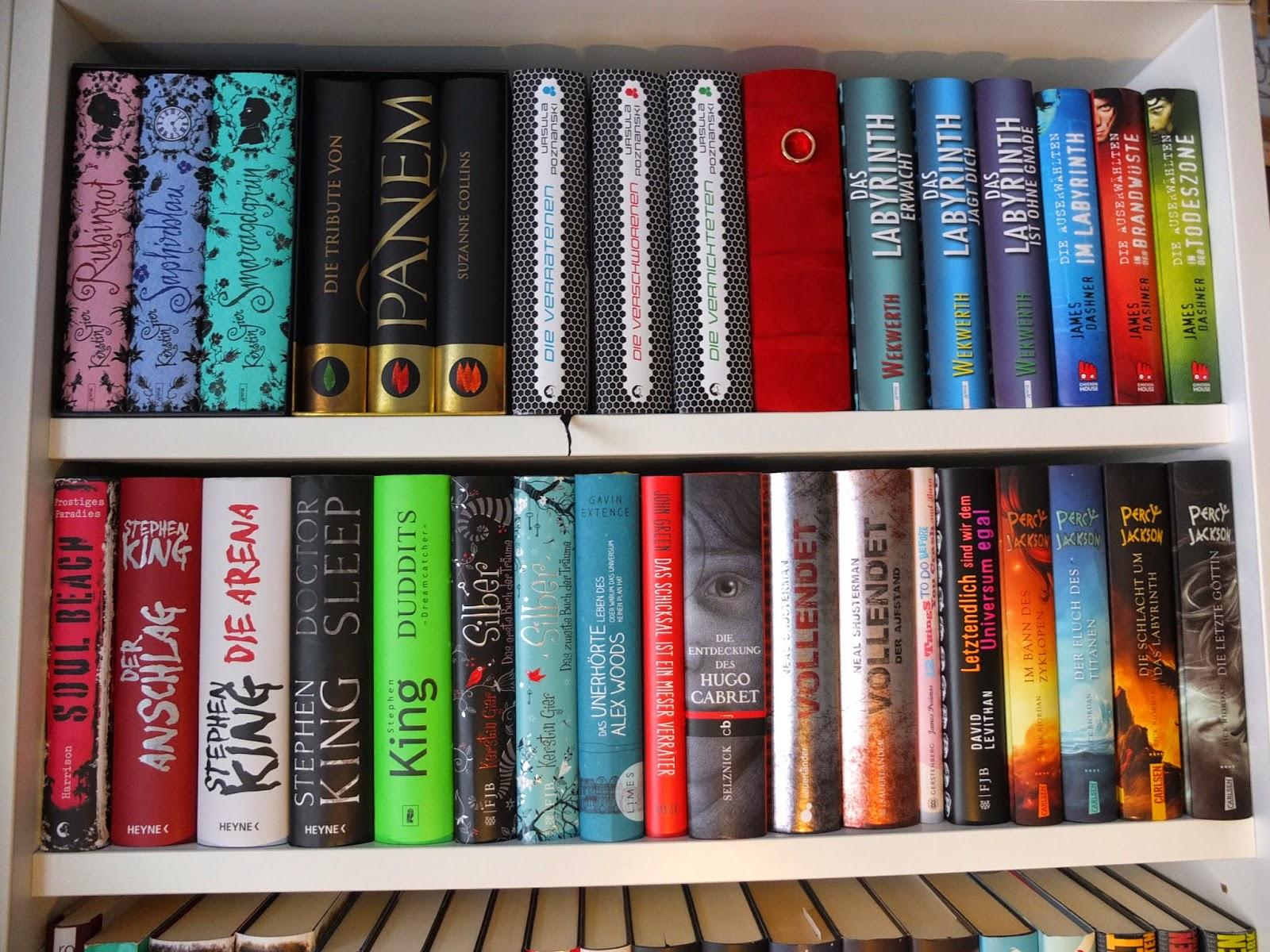 Bücherreihe regal  Bücherzauber - Magie der Worte: Unsere Bücherregale