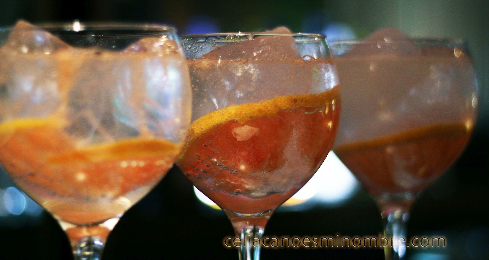 copas de gintonic en Redvelvet cocktail bar