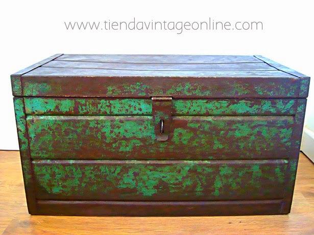 Cajas industriales antiguas estilo industrial.