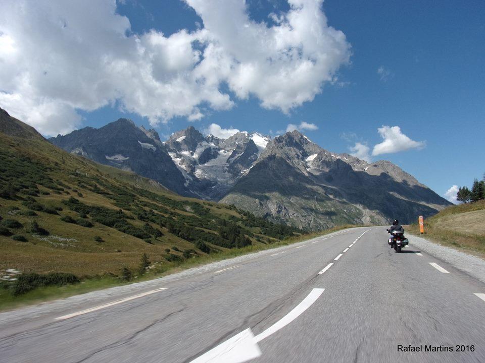 De mota pelos Alpes