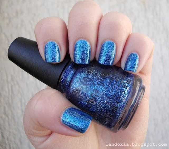 china glaze plavi lak za nokte