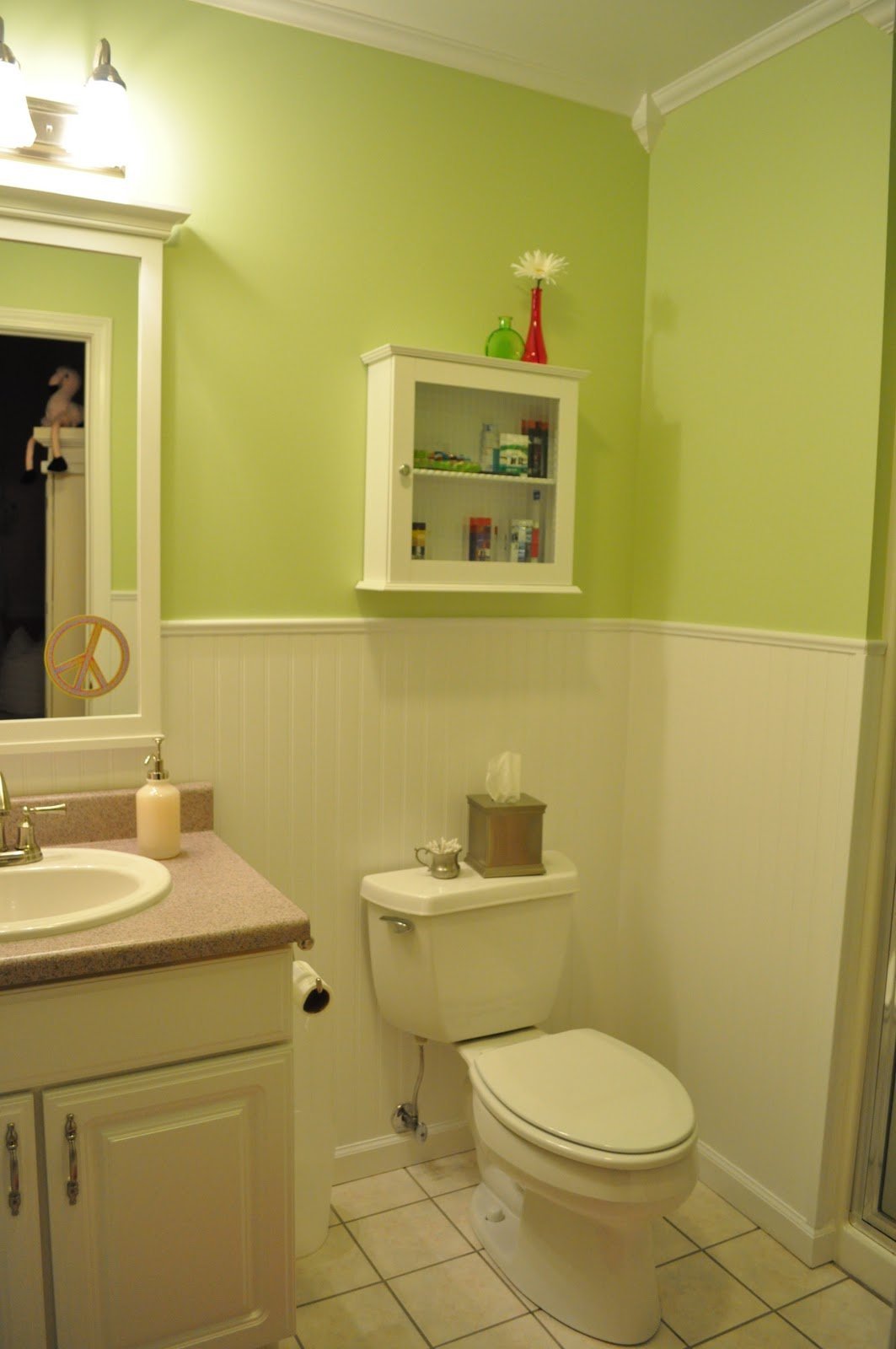Northern nesting beadboard in the bathroom for Seks in the bathroom