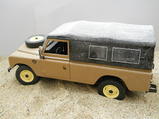 Land Rover 109 diecast Revell 1:18