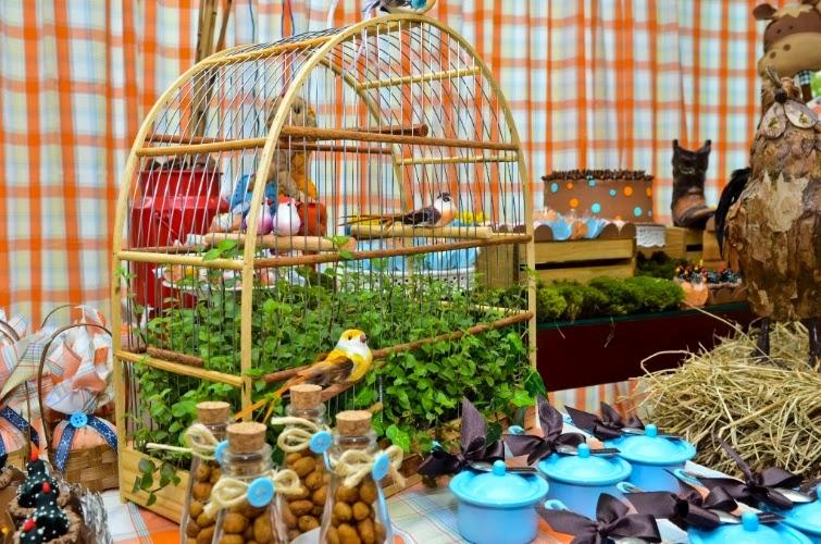 festa junina jardins : festa junina jardins:Veja algumas ideias para usar as gaiolas na ornamentação: