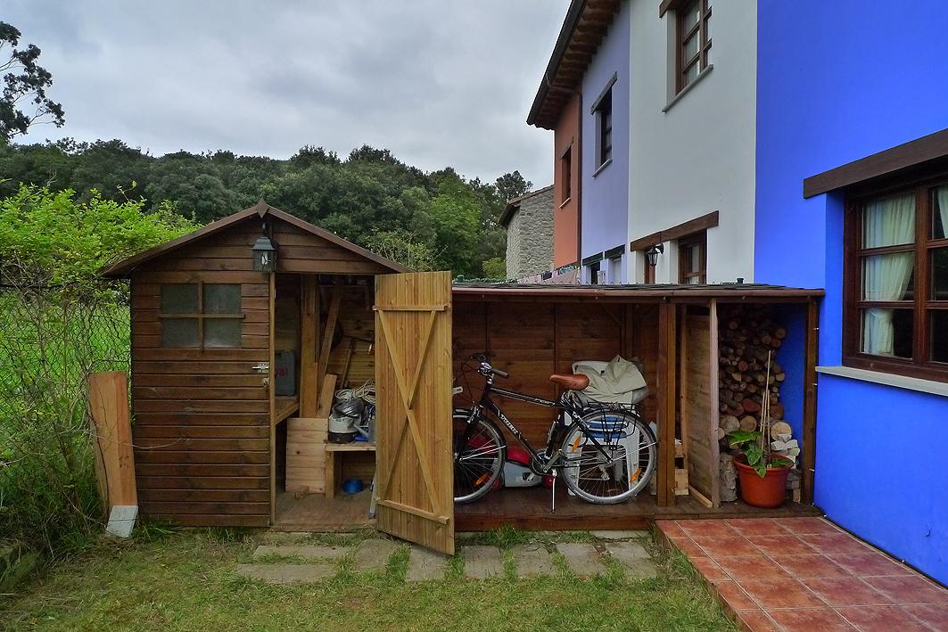 Bricoma o en asturias for Caseta para guardar bicis