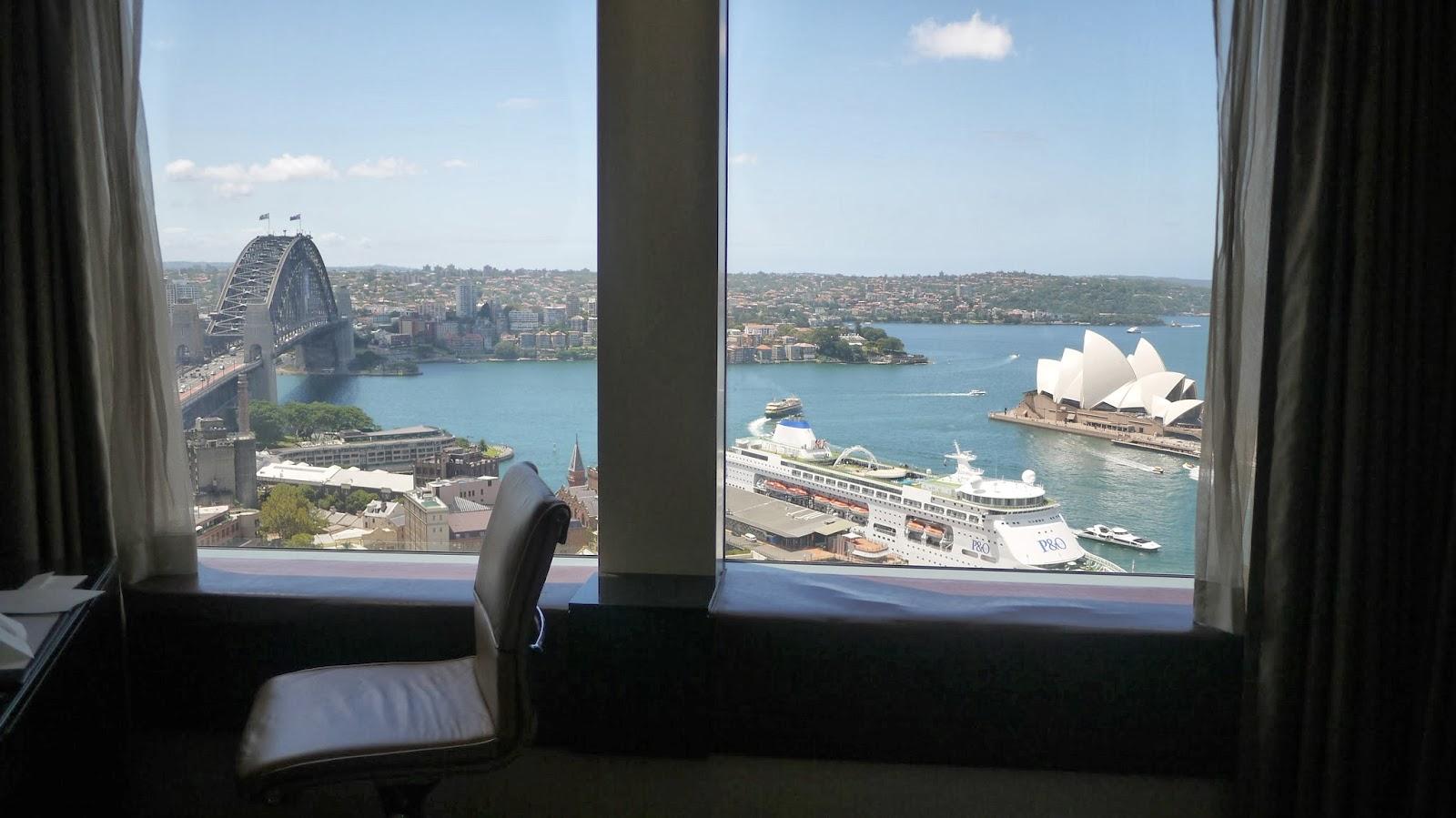 Shangri la hotel sydney bedroom