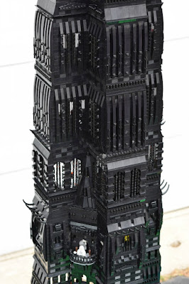 http://www.gameinformer.com/b/news/archive/2015/06/29/lego-lord-of-the-rings-tower-stands-over-8-feet-consists-of-75-000-bricks.aspx