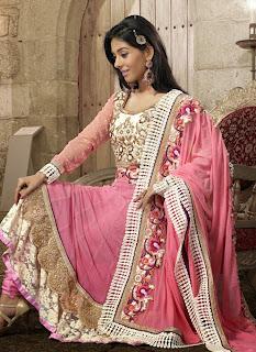 Celebrities+in+Indian+Designers+Anarkali+Salwar+Suits+2013002