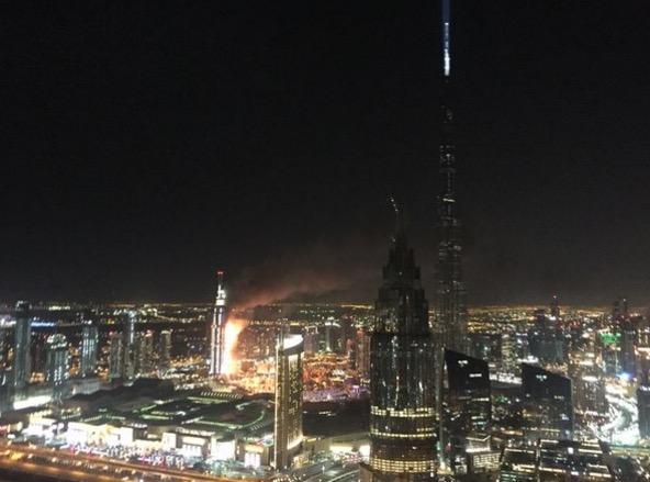 Sekitar kebakaran Hotel mewah Hotel Address Downtown di Dubai