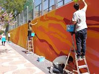 ¡Vuelve el color al muro de Playa Victoria!