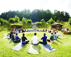 4. Yogahappyning