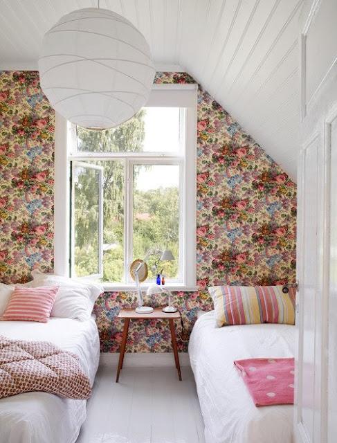 Decorar con papel tapiz floreado flowering wallpaper - Decorar pared con papel ...