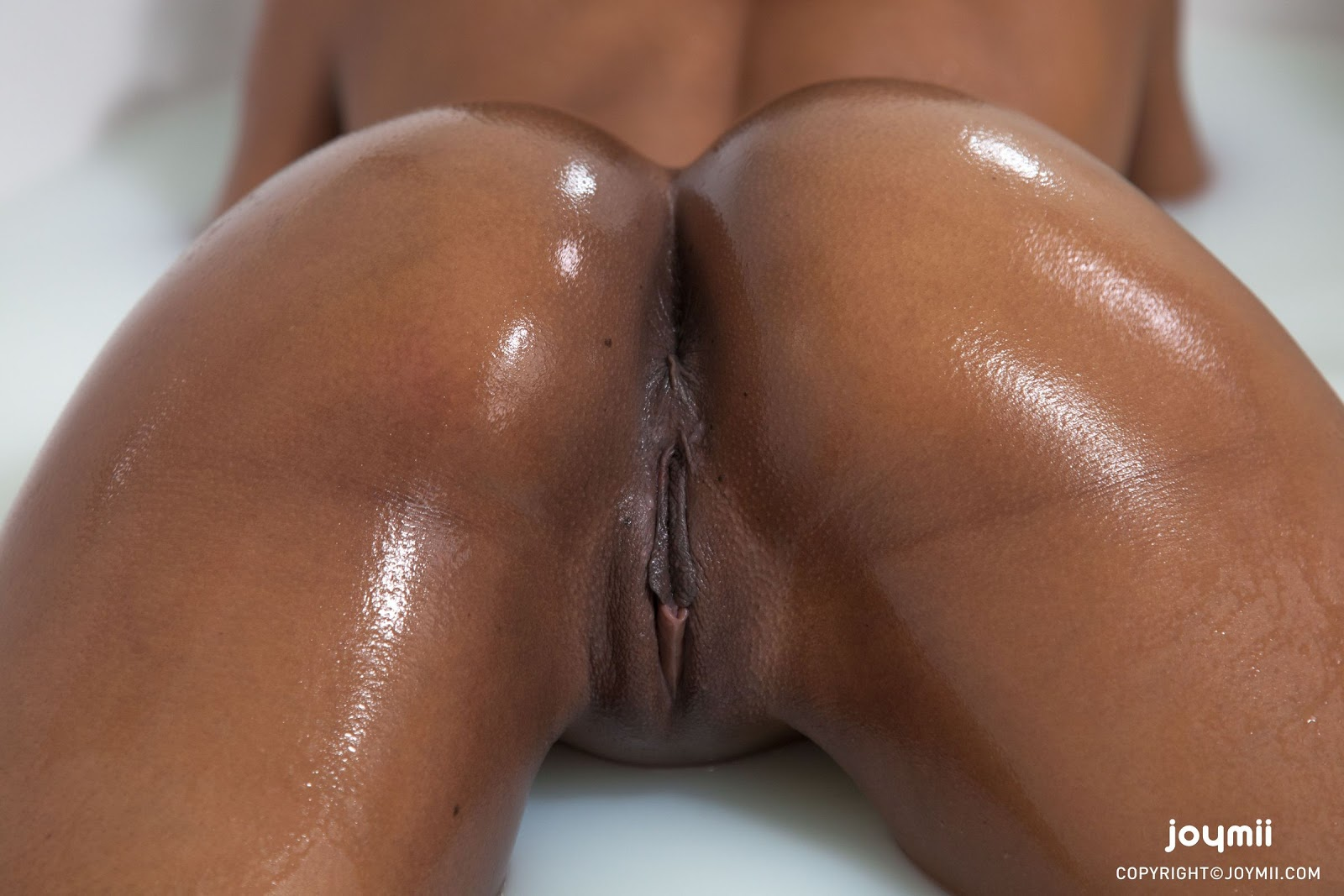black naked girls ass oil
