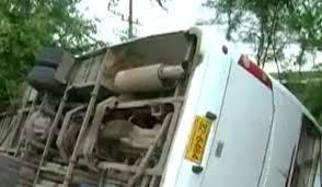 Un bus avec des passagers s'est renversé à Cité El Khadhra