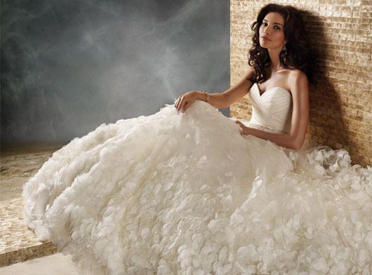Designer Brautkleider Online | Brautkleider Online Fur Ihre Fallhochzeit Beste Brautkleide