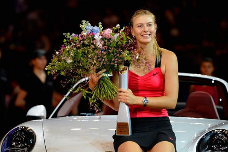 Maria Sharapova wins first title in 2012