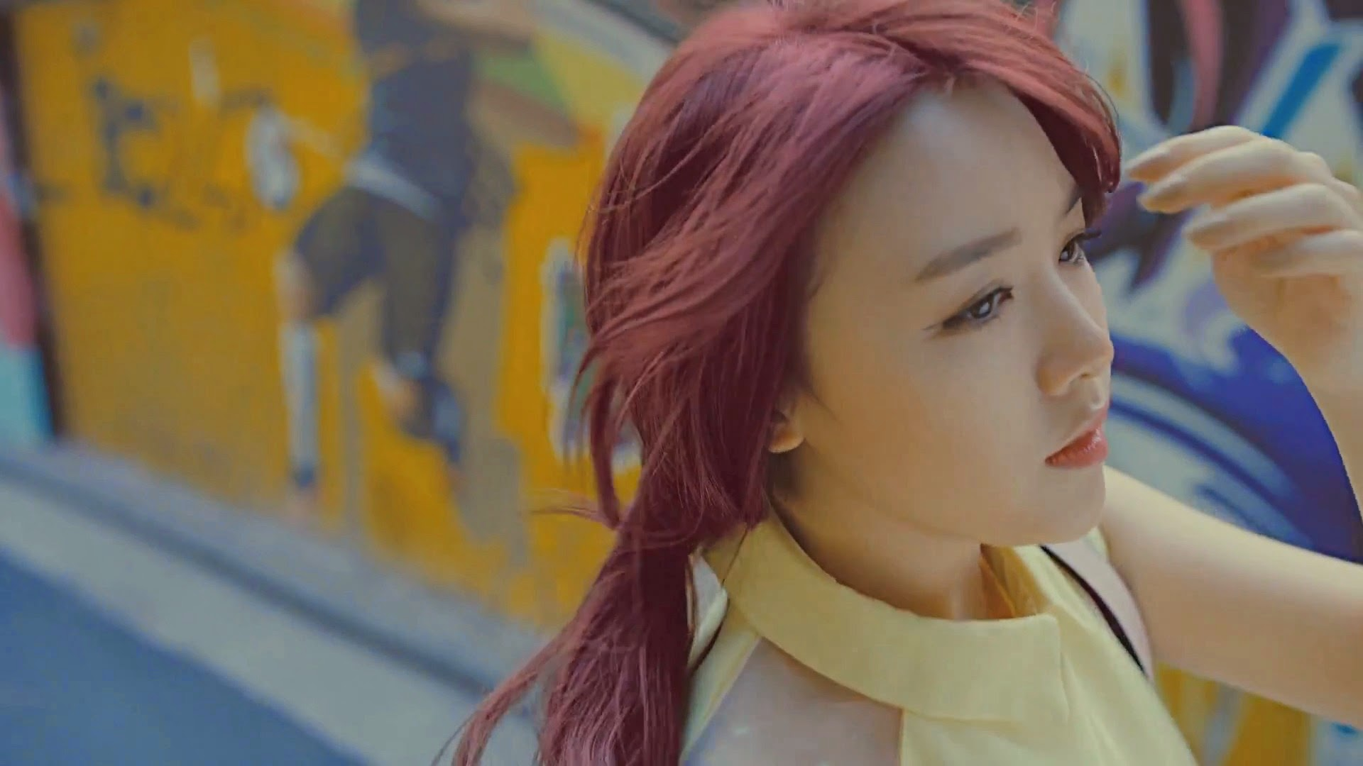 Girl's Day Minah in Hello Bubble MV