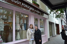 Mary of Merrivale Cakes and I outside Peggys studio.