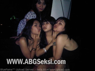party cewek-cewek nakal hot