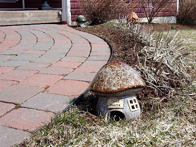 My new toadhouses are outside and ready for tenants.