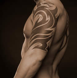 Mens Tattoo for biceps and triceps, disegno del tatuaggio