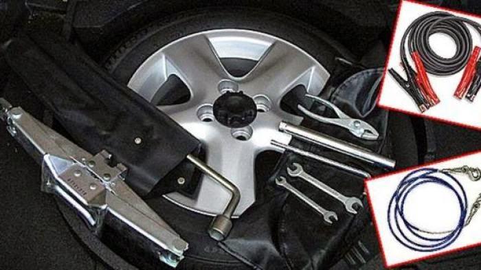 12 Alat Wajib Untuk Mobil Anda